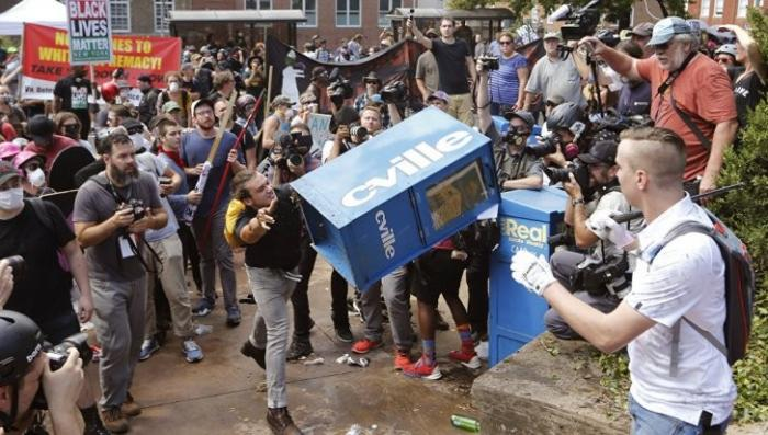 Губернатор Виргинии запретил протесты у памятника конфедератскому генералу