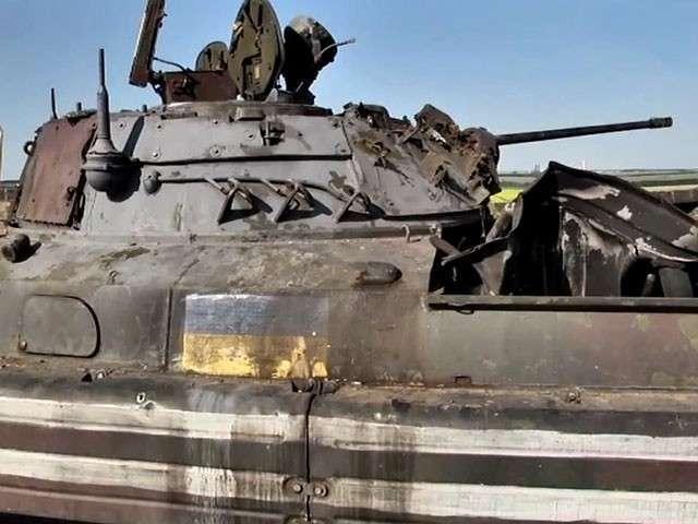 Армия ДНР перешла в наступление и окружила крупные силы карателей
