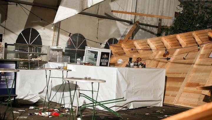 В Австрии на пивном фестивале в результате обрушение шатра двое погибли, 120 пострадали