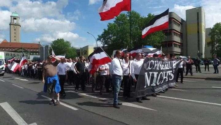 В Германии с разрешения сената Берлина прошла демонстрация неонацистов