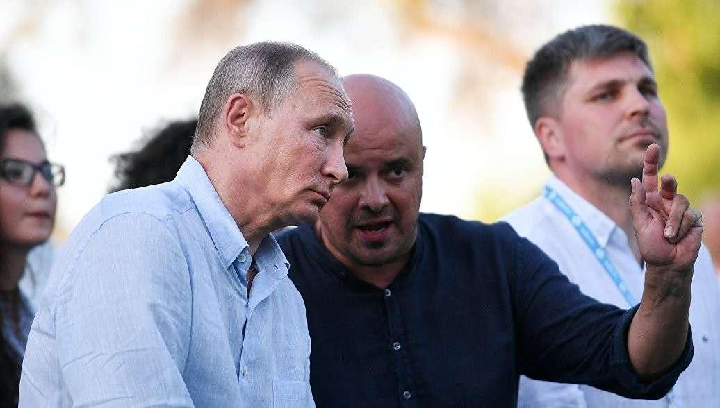 Владимир Путин в Крыму посетил молодежный форум «Таврида»