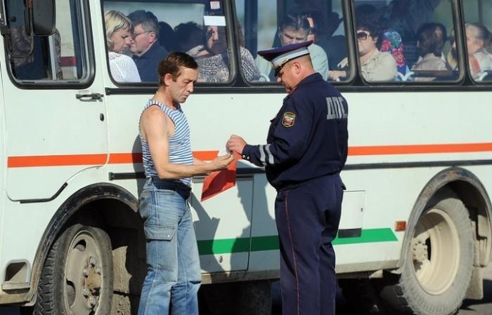МВД уточнило правила остановки автомобилей на дорогах для проверки документов