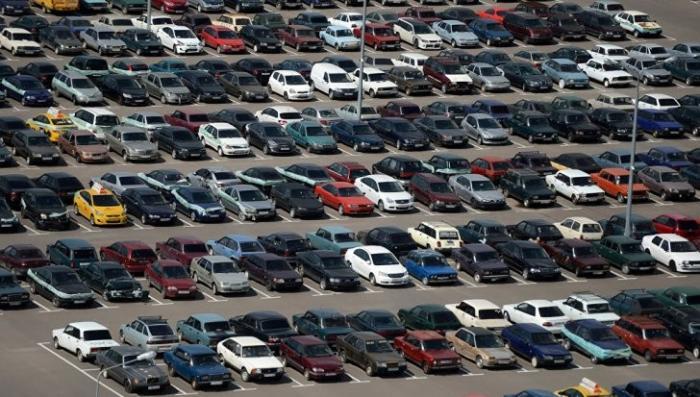 Тяжбы на парковке и сохранение старого госномера: юристы разрушают заблуждения