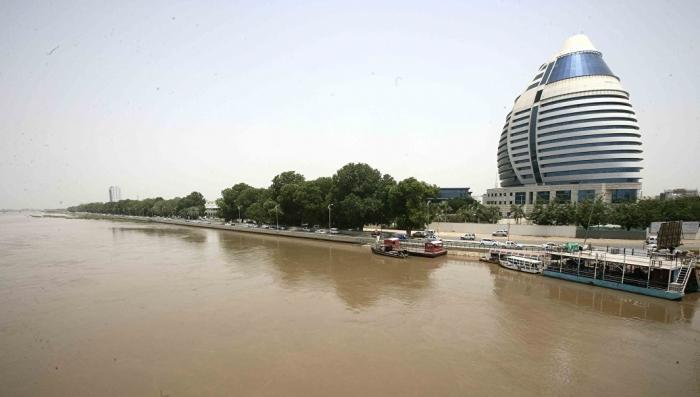 Смерть посла: в воде бассейна, где плавал посол РФ в Судане, не нашли отравляющих веществ