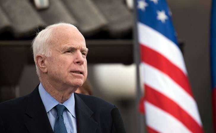 Джон Маккейн подбирается к нашему Крыму через боевиков