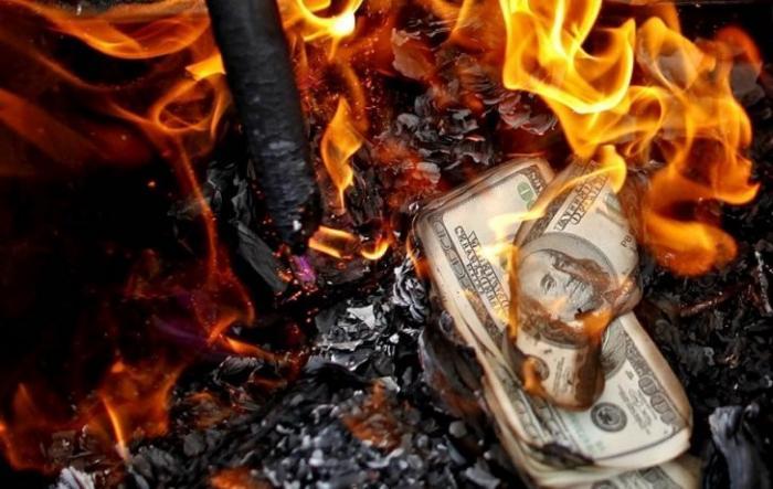 ФРС планирует сжечь США вместе с «лишними долларами». Александр Роджерс
