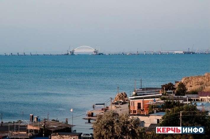 Керченский пролив открыли досрочно и суда сразу как ломанулись