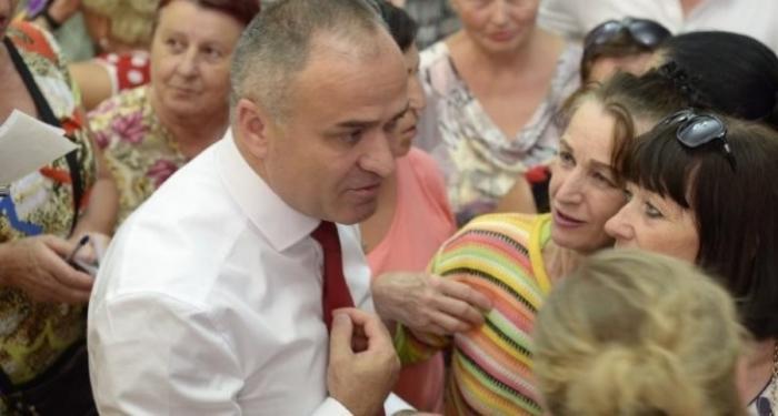 Сергей Аксенов берет Феодосию под семейный контроль