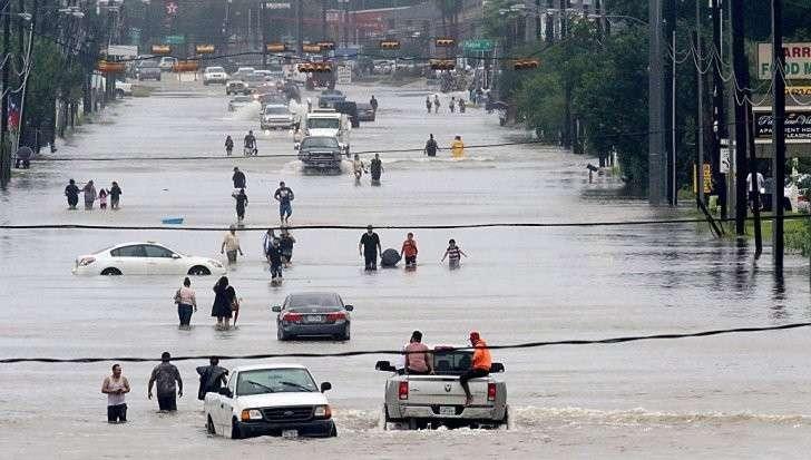 Урагана «Харви» разрушает США. Число жертв достигло 30 человек, ущерба на миллиарды