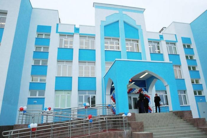 В Симферополе открыли «Школу четырех президентов», которую строили четверть века