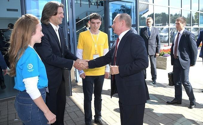 Владимир Путин посетил Всероссийский форум профессиональной навигации «ПроеКТОриЯ»