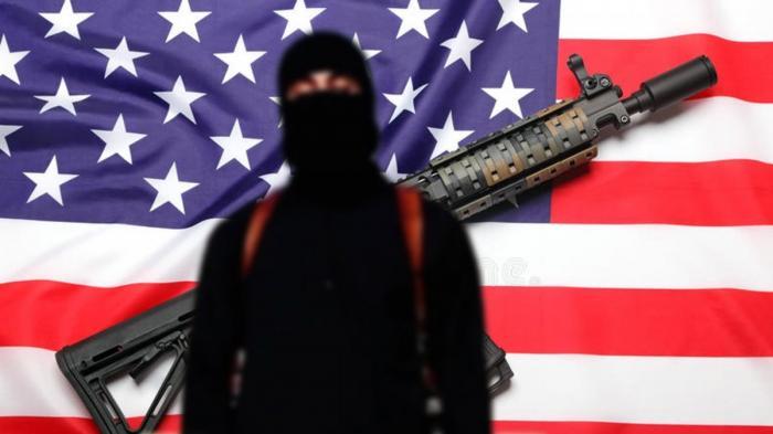 В Сирии террористы начали массово сдавать своих шефов из США