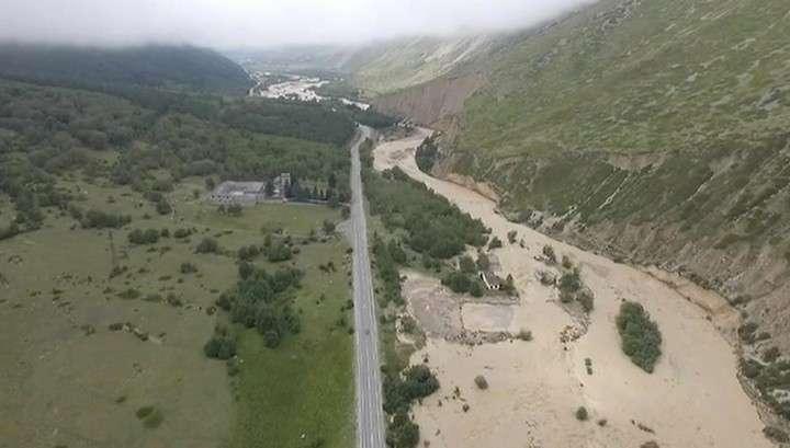 В Кабардино-Балкарии введен режим чрезвычайной ситуации после схода селя