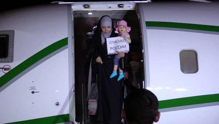 Жизнь после плена: в Грозный вернулась группа женщин и детей, освобожденных в Ираке