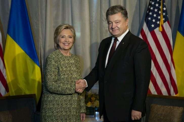Плохие новости для Киева: противники Трампа связаны украинским узлом