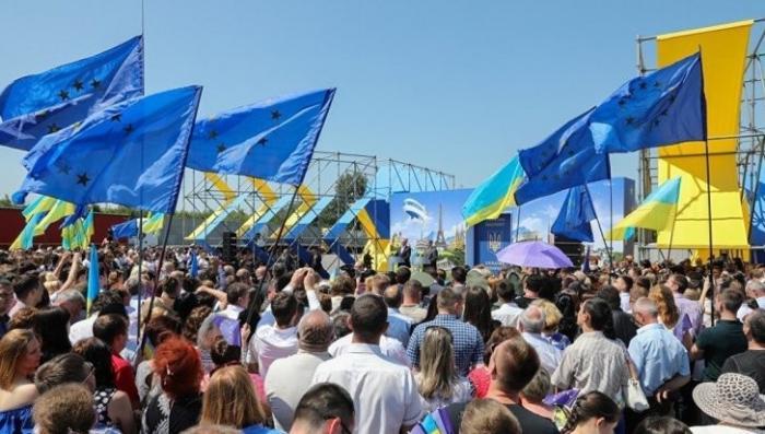 Отношения Запада и Украины: обмен «ружья на свинью»