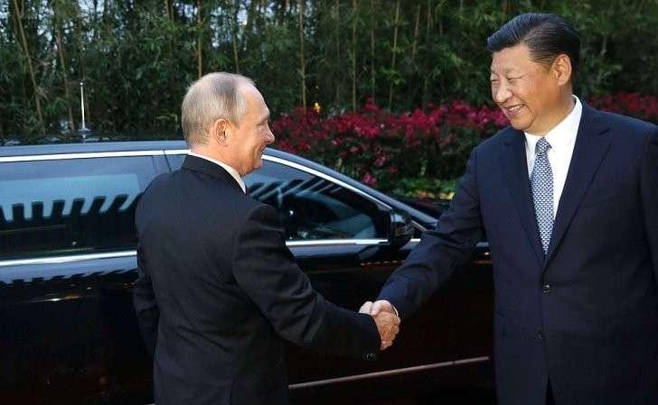 Перед началом переговоров сПредседателем Китайской Народной Республики Си Цзиньпином.