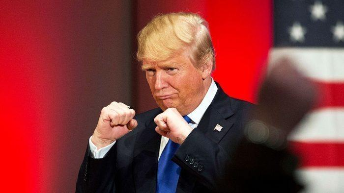 Дональд Трамп пропускает удары глобалистов