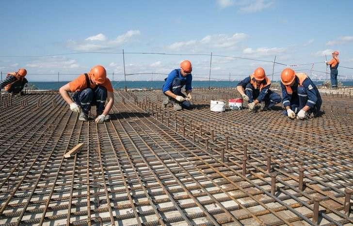 Крымский мост: на строительстве завершилась вахта студенческих отрядов