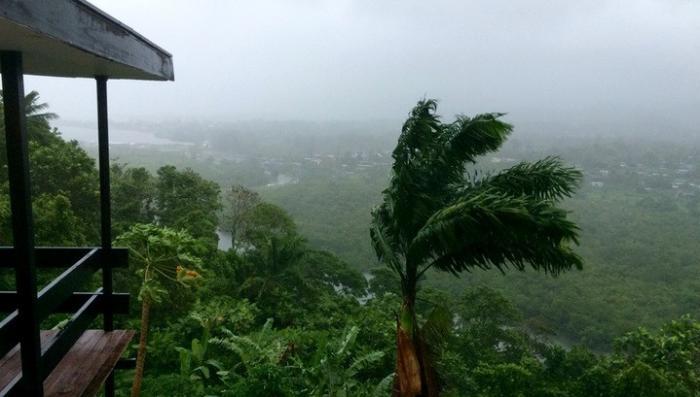 Ураган Ирма ударил по Кубе: мало никому не покажется, скорость 300 км/ч