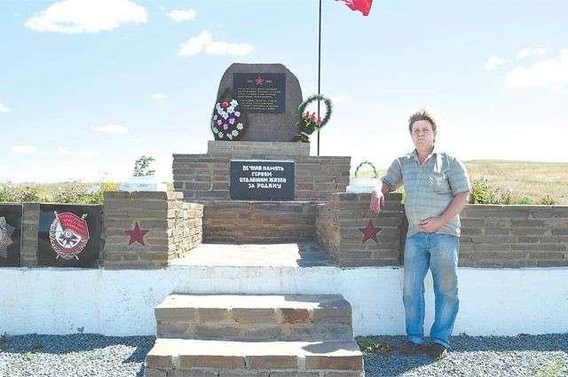 Фермер взял кредит и влез в долги ради памятника героям ВОВ: «Они заслужили большего».