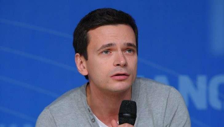 Либераст Илья Яшин заявил о своей победе на выборах в Москве