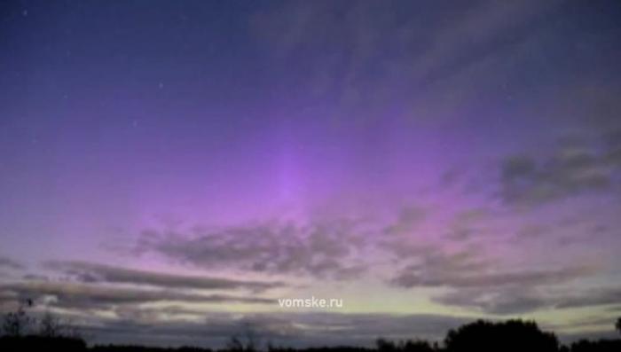 Вспышка на Солнце: северное сияние было видно даже в Омске