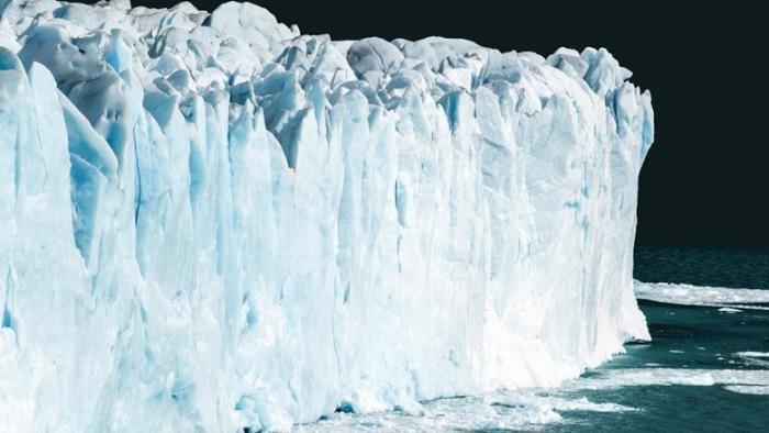 Роснефть успешно отработала уникальную технологию буксировки айсберга весом миллион тонн