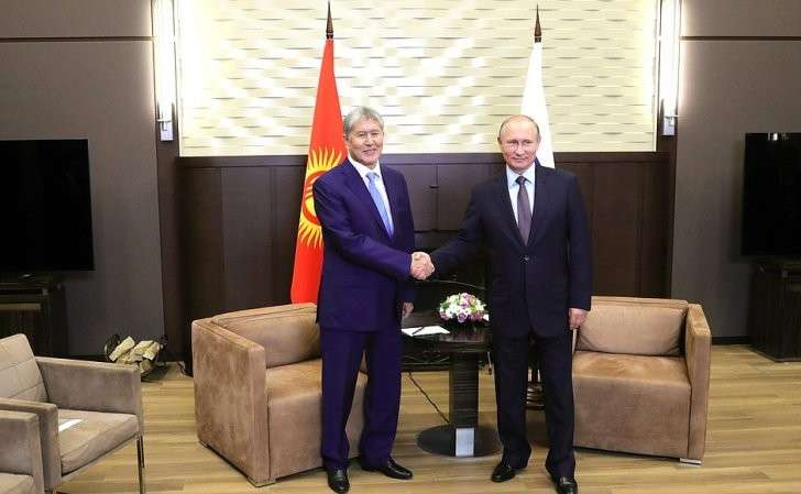 СПрезидентом Киргизии Алмазбеком Атамбаевым.
