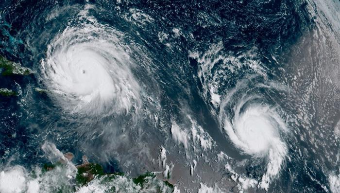Ураган «Макс» достиг тихоокеанского побережья Мексики