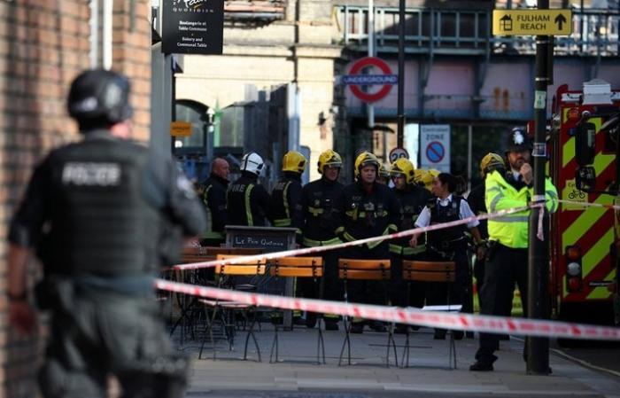 Взрыв в лондонском метро – сообщают о давке и панике, о жертвах неизвестно