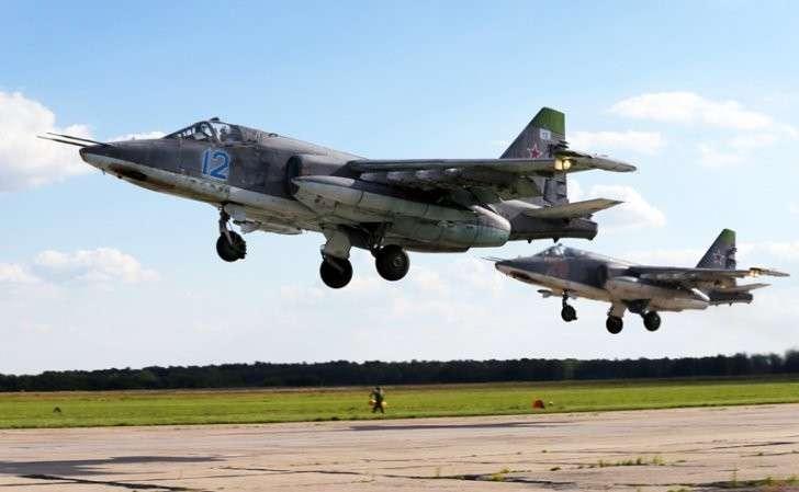 На фото: истребители Су-25