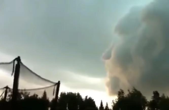 Американцев пугали лицом Путина, якобы появившемся в урагане «Ирма»