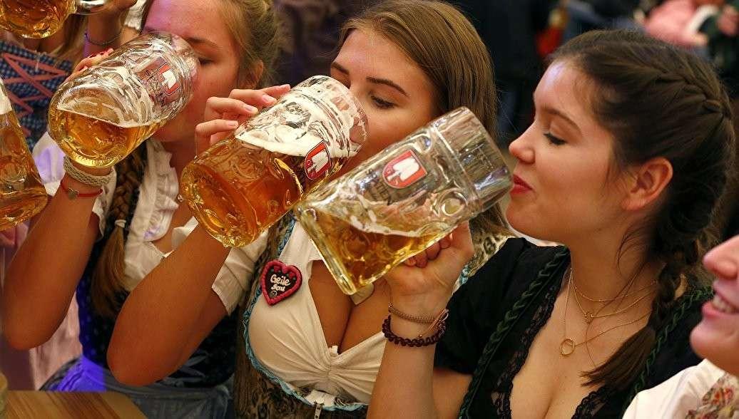 Октоберфест – праздник дебилов, из которых пивом делают кретинов