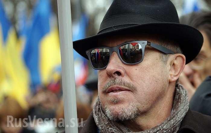 Автор памятника Калашникову ответил нахамство предателя Макаревича