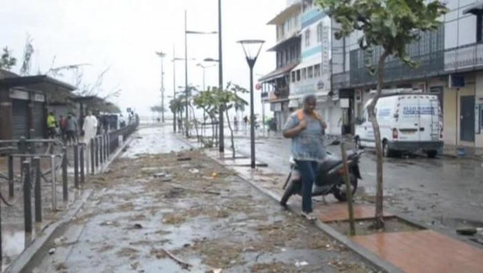 Новый ураган «Мария» набирает силу в Карибском бассейне