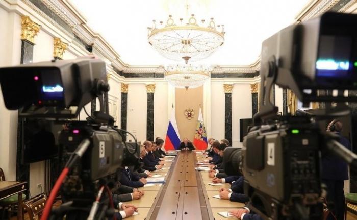 Владимир Путин встретился свновь избранными главами регионов