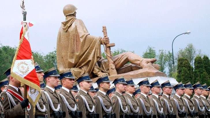 Польша: как дикая политика по пересмотру истории развязывает руки вандалам