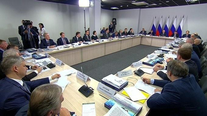 Владимир Путин провёл заседание по вопросам комплексного развития пассажирских перевозок