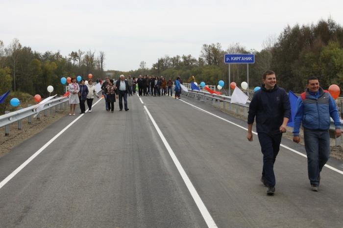 Камчатка: открыто движение поновому мосту