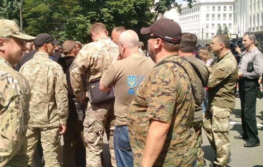 Каратели на заработках. Как формируются и за что сражаются частные армии Украины