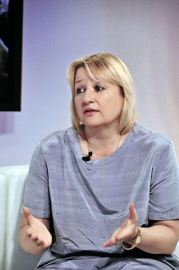 Елена Ларина давно следит за войнами мировых элит.
