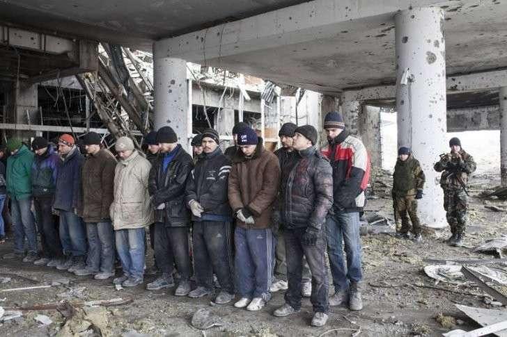 Украинские каратели из АТО возмутились киборгу из России от Apple