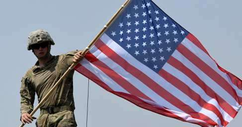 Сирийские солдаты прогнали американских военных из района в курдской Хасеке (ВИДЕО)