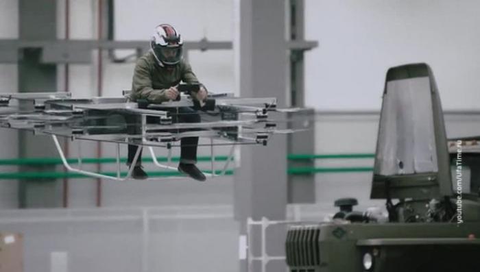 Калашников продемонстрировал летающий мотоцикл собственной разработки