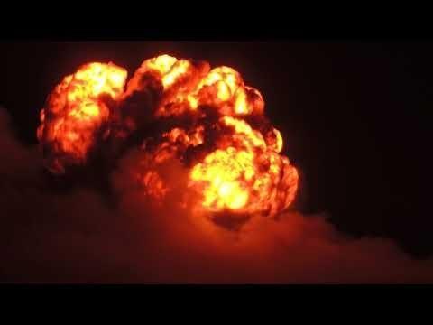 Калиновка: видео самого мощного ночного взрыва на складе боеприпасов