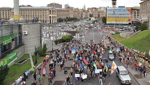 Киевляне требуют усиления карательных акций в Донбассе