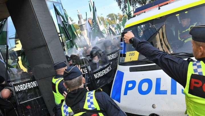 В Швеции схлестнулись антифашисты, неонацисты и полиция