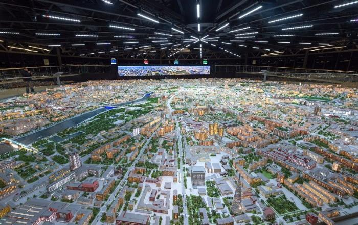 Макет Москвы наВДНХ – целый город в одном здании