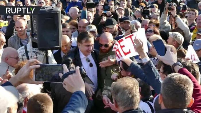 Одесса: драка между сторонниками и противниками бомжа-псевдореволюционера Саакашвилли